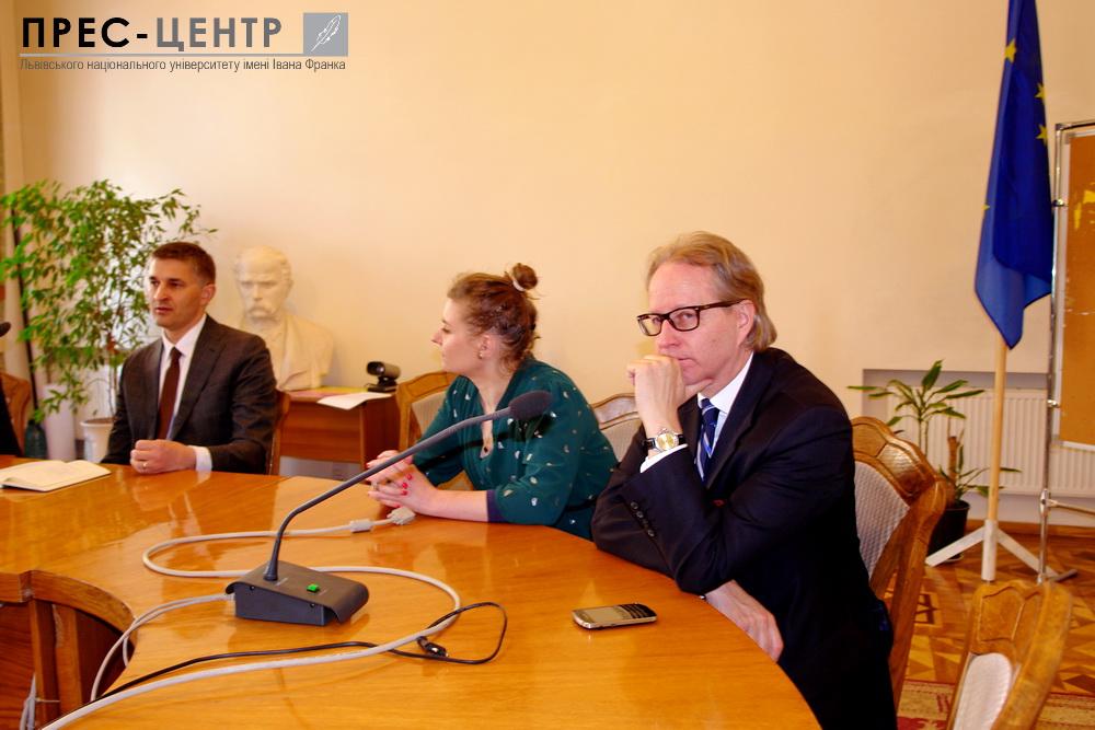Екс-міністр енергетики Литви: «Головна проблема України – розкрадання грошей і ресурсів»
