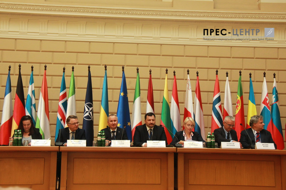 Experts in security from 15 countries are discussing the protection of democratic values and human rights in the activities of intelligence services
