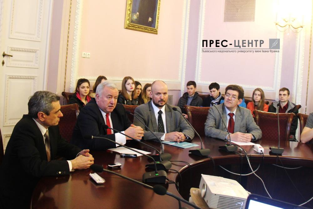 Голова Документаційного центру ОБСЄ у Празі Ян Плешінгер зустрівся зі студентами Львівського університету