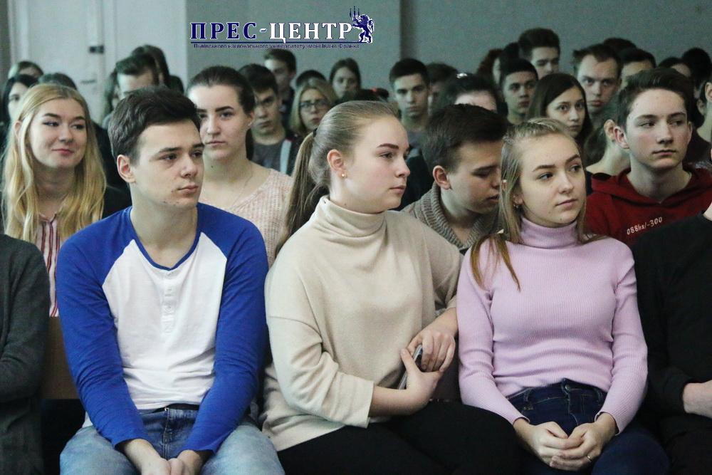 Представники Університету зустрілися з учнями Навчально-виховного комплексу «Гроно»