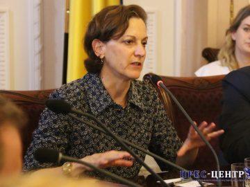 Американська письменниця Енн Епплбом зустрілася зі студентами Львівського університету