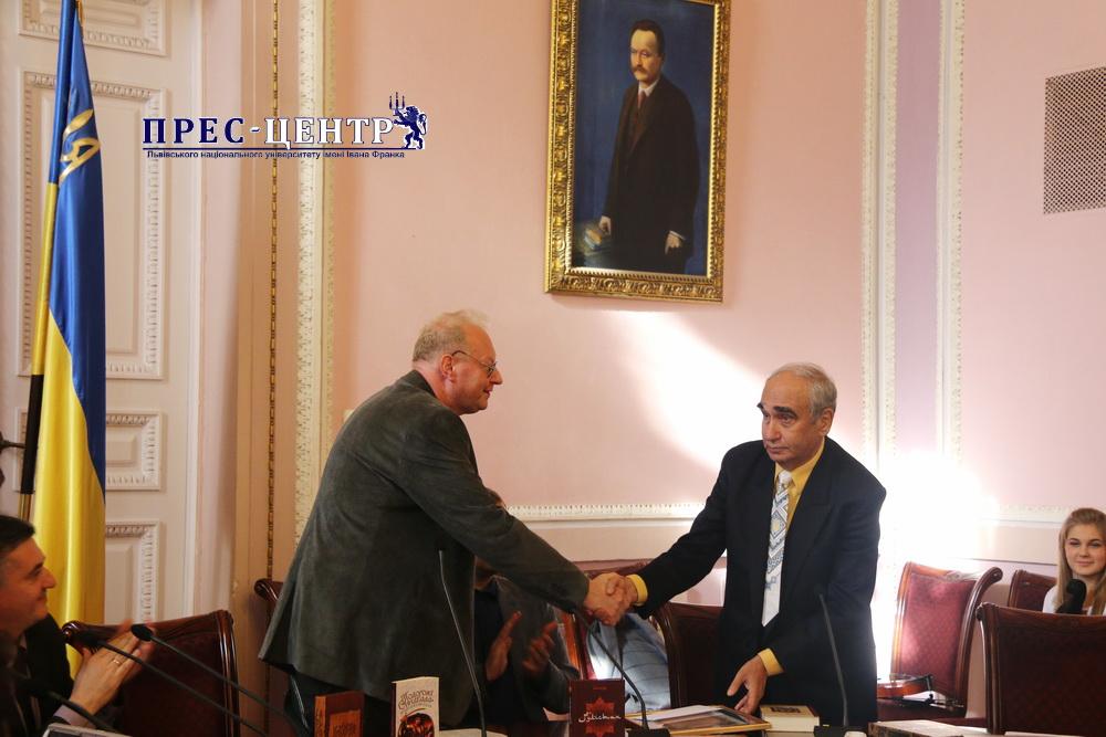 В Університеті вручили першу Літературну премію імені Романа Гамади