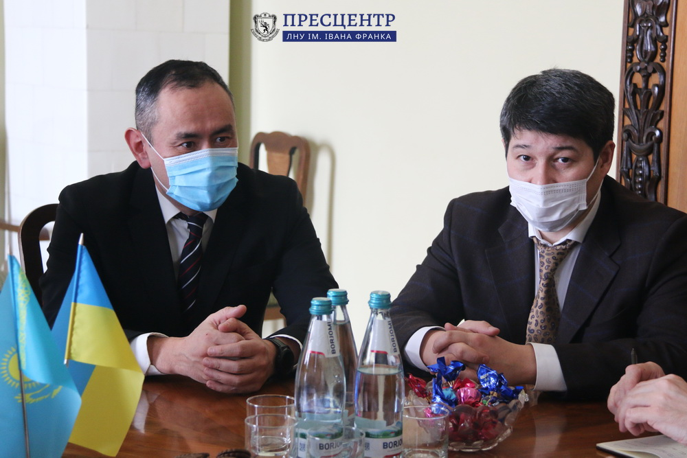 Ректор Володимир Мельник поспілкувався із представниками Посольства Казахстану в Україні