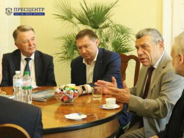 Ректор Володимир Мельник зустрівся з Президентом НАН України Анатолієм Загороднім